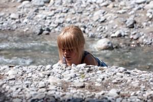 Gyerek szandál kell a vízpartra